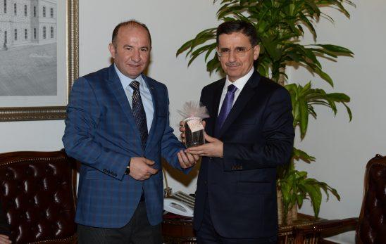 Ankara Valisi PanPek'i beğendi