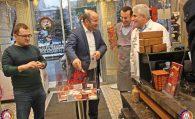 İkbal's Pastaneleri Sahipleri Tarafından Yapılan Yılbaşı Çekilişini Başkanımız Ulvi Sakarya Gerçekleştirdi